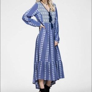 En Creme Blue Geometric Long Sleeve Maxi Dress